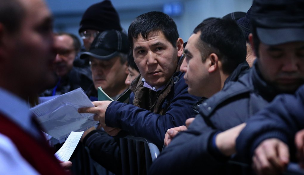 Мигрантов приглашают, чтобы компенсировать естественную убыль населения