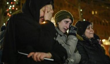 Канадцы пришли попрощаться с погибшими детьми