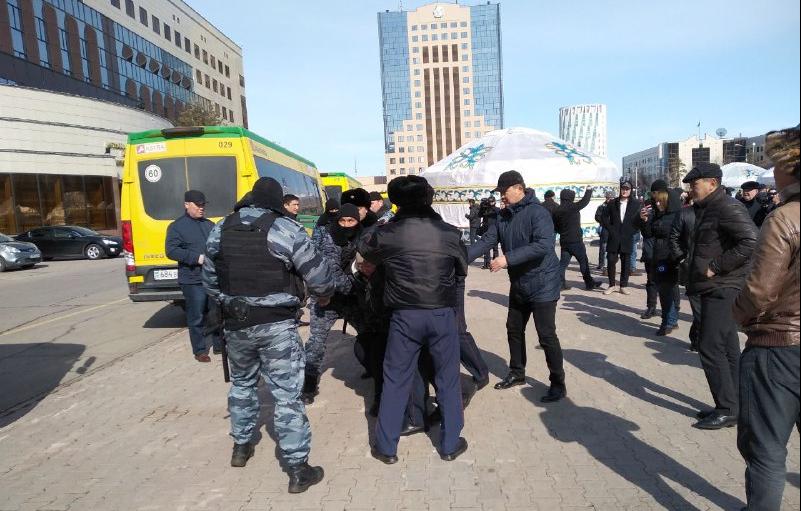 Задержание участников несанкционированной акции протеста