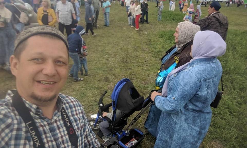 Расул Тавдиряков на празднике Сабантуй в Белозерье