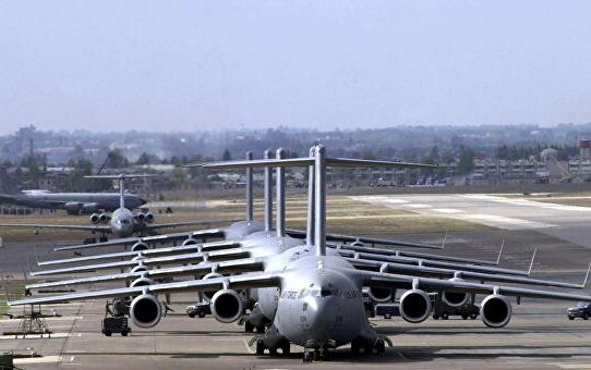 Американские самолеты на авиабазеИнджирлик