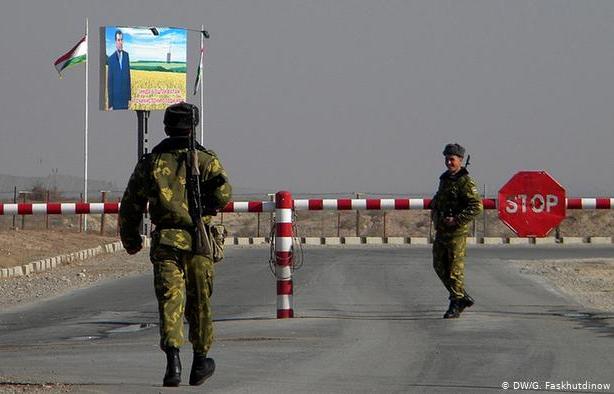 Граница между Киргизией и Таджикистаном