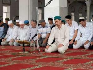 Блеск и нищета официального ислама в Дагестане: опыт,  ошибки, уроки