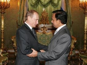 Путин договорился с султаном Брунея о военном сотрудничестве