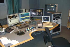 Шведскому радиоведущему угрожают анонимы