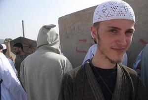 В Саудовской Аравии иностранцы принимают ислам