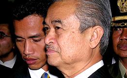 Премьер-министр Малайзии Абдулла Бадави прибыл в Москву
