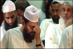 Индусы признаны виновными в убийстве 116 мусульман