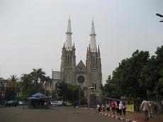 Индонезийцы опасаются христианизации