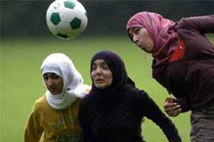 Мусульманкам не дадут сыграть в футбол