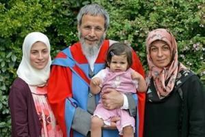 Юсуф Ислам стал доктором юридических наук