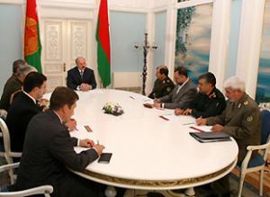 Президент Белоруссии встретился с министром обороны Ирана