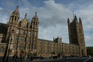 Новый британский премьер вводит в правительство мусульман