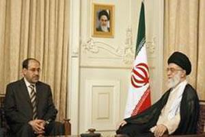 Аятолла Хаменеи и премьер Ирака Нури аль-Малики.
