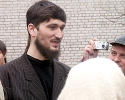 Имам Антон Степаненко в первые минуты после освобождения