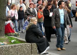 Мусульманка на улице Берлина.