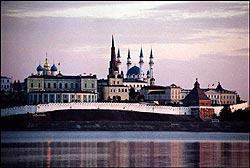 Минареты и купола Казанского кремля
