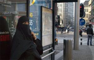 Голландия собирается ввести запрет на никабы