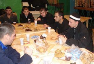 Заключенные-мусульмане нуждаются в поддержке