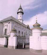 Президент Татарстана и мэр Казани посетили отреставрированный комплекс «Марджани»