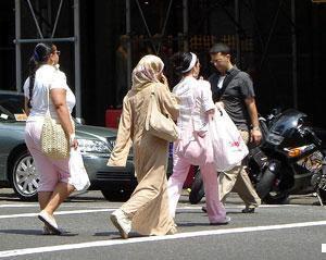 Везде ли решен вопрос о хиджабе? Мнения российских экспертов