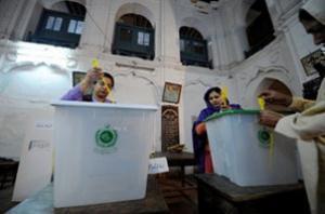 Избирательный участок в Равальпинди.