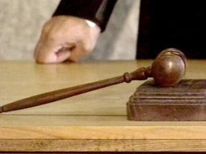 Судья: Таких свидетелей нам не надо