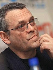 Игорь Яковенко призывает власти расследовать убийства журналистов. Фото: kommersant