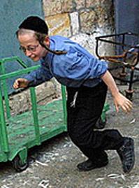 Израильские дети все чаще подвергаются насилию в семье