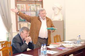 Известный поэт перевел Коран на русский язык