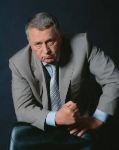 Какую нацию представляет и защищает Жириновский?