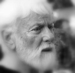 """Известный писатель, журналист и активист движения за мир """"Лагерь Мира"""" Ури Авнери"""