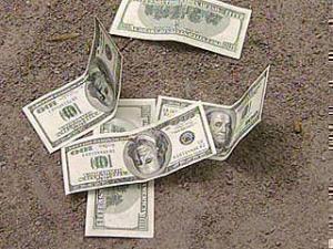 Мир отказывается от долларов