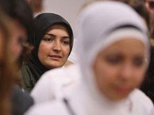 Запрет хиджаба в Бельгии распространился на социальную сферу