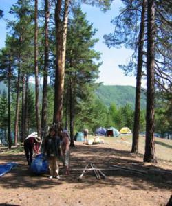 Скучать в летнем палаточном лагере не придется