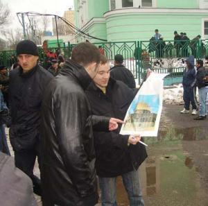 Более 55% прихожан московских мечетей не интересуется содержанием Корана