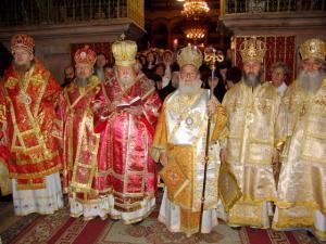 В иерусалимском храме армянские и православные священники сошлись в рукопашной