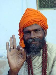Индийским мужчинам предлагают поменять естественное «мужское достоинство» на железное