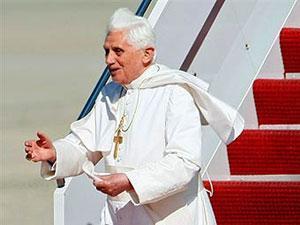 Бенедикт XVI по прилете в США
