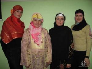 Мусульманки взяли Соколовую гору добром