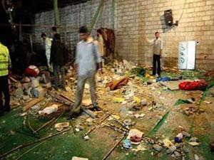 После взрыва в иранской мечети