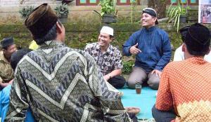 Насруддин Аншори в кругу учеников