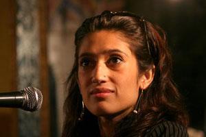 Племянница Б. Бхутто обвиняет А. Зардари в смерти своего отца