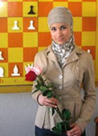 Карельская шахматистка читает Коран