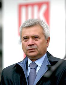 Вагит Алекперов: цены на бензин могут сохраниться до осени