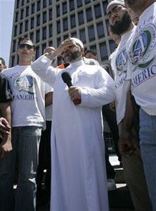 Известный мусульманский проповедник не смог сдержать слез, рассказывая о пытках в израильской тюрьме