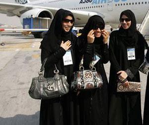 Мусульманкам, отказавшимся лететь с посторонними мужчинами, предоставлен отдельный отсек в самолете