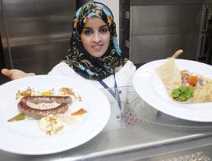 Сосиски из козлятины и финиковый десерт завоевали сердца оманских гурманов