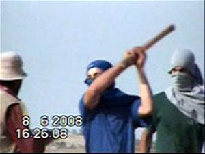Видеозапись, распространенная правозащитниками, свидетельствует о жесткоком избиении палестинцев израильтянами