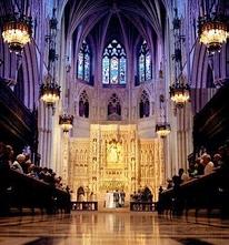 В Англии прошло первое в истории венчание священников-геев